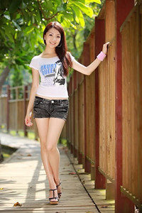 young-chinese-girls