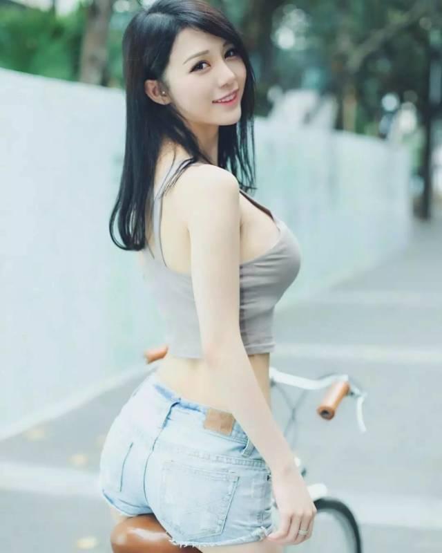 gorgeous Chinese women