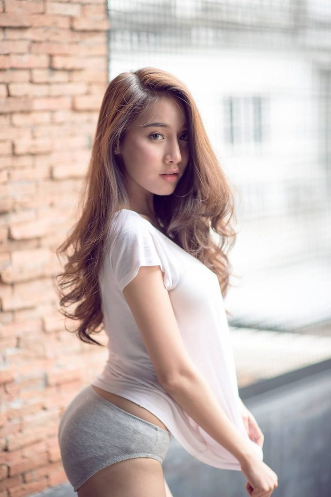 The Perks of Seeking Mature Single Women in Thai Dating