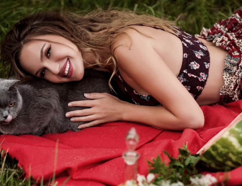 Ukraine Brides: What Pictures to Ask From to Spice Up LDR